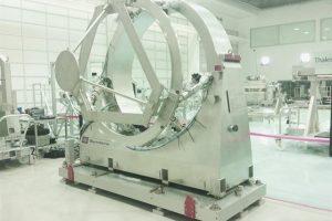 l_symetrie-hexapod-mirror-satellite-tas-1080
